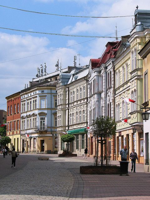 Beautiful buildings in the old town of Tarnów, Poland (by Krzysztof Dobrzański).