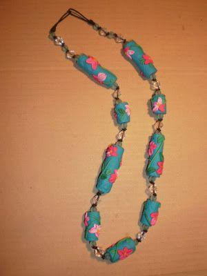 (ri)cuciblog: La collana in fimo: perle coi fiori in rilievo. Tutorial / Le collier en pate Fimo: les perles fleuries. Tutorial