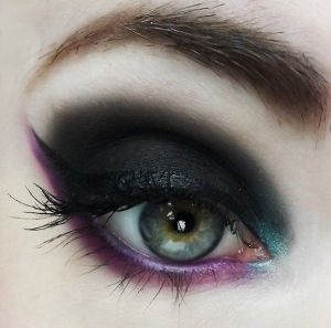 Black teal and purple dramatic eye makeup | Make gold eye makeup | Gold eye make up. by Kay Berry