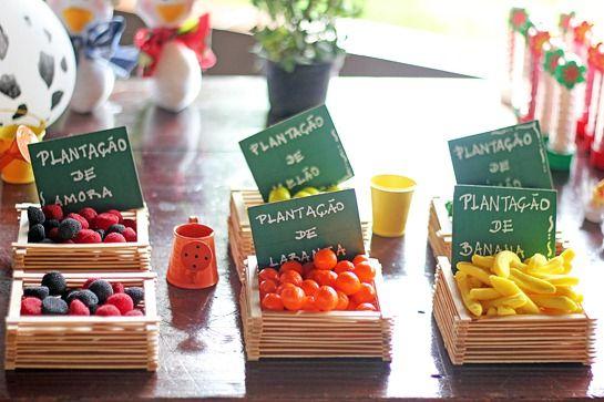 Festa Fazendinha - http://casosecoisasdabonfa.blogspot.com.br/2013/01/a-charmosa-festa-fazendinha-da-laura.html