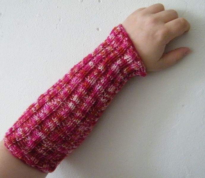Armwarmers - Handgemaakte, gebreide, roze armwarmers - Een uniek product van EccentricLady op DaWanda