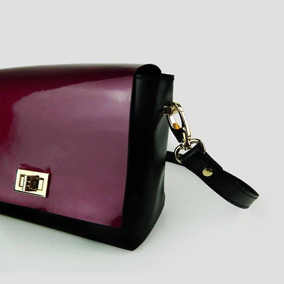 Crossbody Shoulder Bag genuine leather in black and mulberry