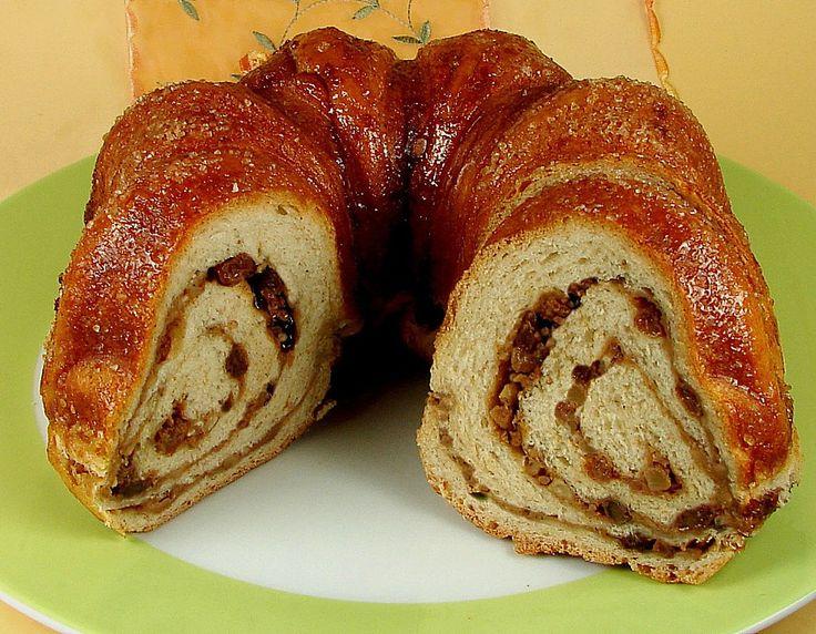 Kärntner Reindling mit  karamellisierter Zuckerkruste, ein schmackhaftes Rezept aus der Kategorie Kuchen. Bewertungen: 165. Durchschnitt: Ø 4,6.