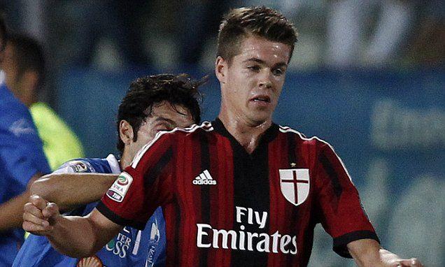 Chelsea midfielder Marco van Ginkel limps out of AC Milan debut