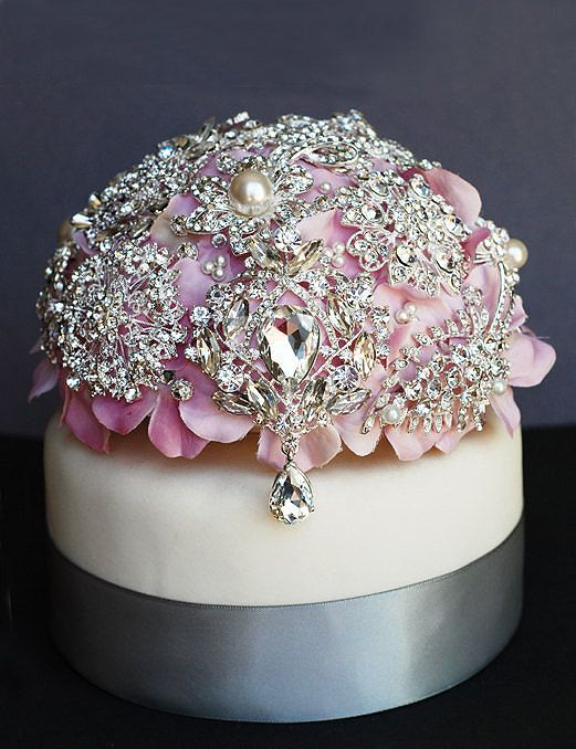 Luxury Vintage Bridal Brooch Bouquet Wedding Cake Topper