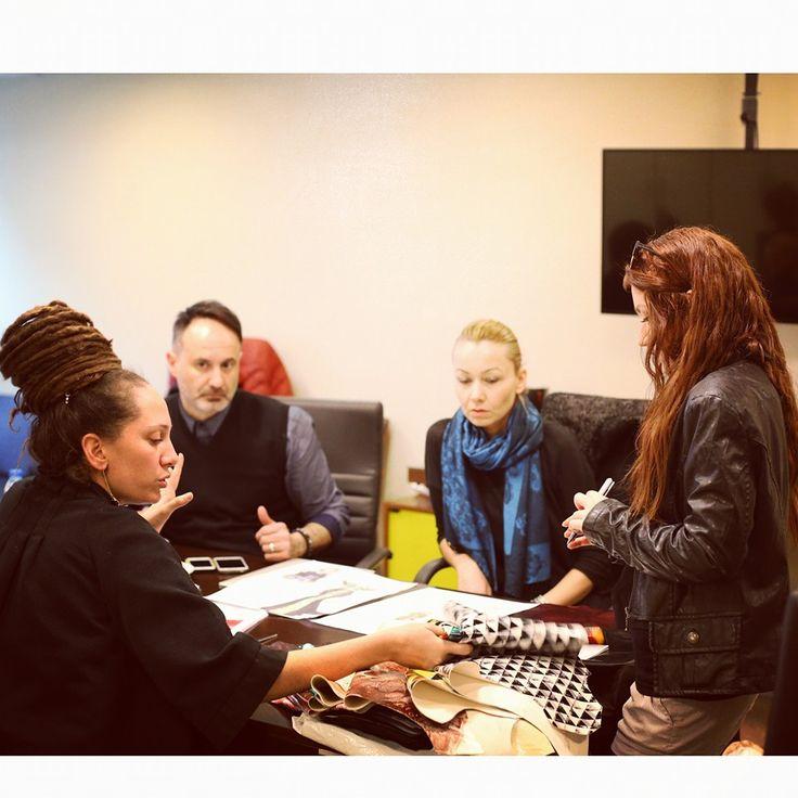 EİB - Derin Fikirler Deri Üretim ve Tasarım Yarışması - Toplantı - Simay BÜLBÜL - Ege İhracatçı Birlikleri - Leather - 2015 - Büşra Gülaydın - Nihal Tümoğlu