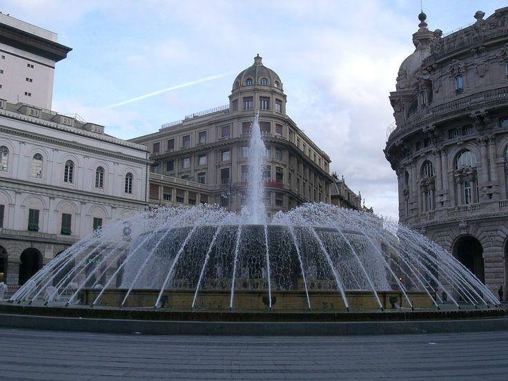 Siamo a Genova, in piazza De Ferrari, la principale piazza cittadina nel cuore di Genova. B&B nel comune di Genova, capoluogo della Liguria, qui http://bedandbreakfast.place/it/bb-liguria/genova/genova