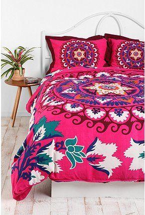 i wish i had bedding like this!