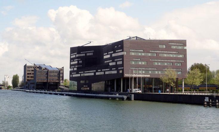 middelburg | waterschaps gebouws / Zeeland op foto