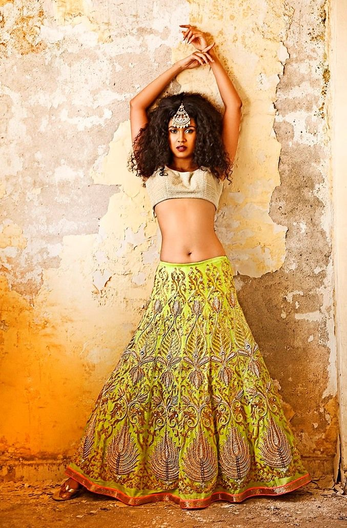 cuh-yoot, lehenga, short choli, maang tikka #lehenga #choli #indian #shaadi #bridal #fashion #style #desi #designer #blouse #wedding #gorgeous #beautiful
