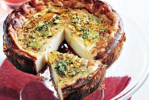 Ελληνικό τσιζ κέικ µε φρέσκια µυζήθρα και µέλι