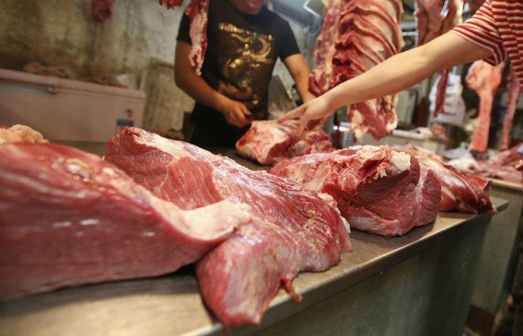 No podemos decirte lo que debes comer, pero sí explicarte las consecuencias de tu dieta. Según un estudio de la Universidad de Cambridge, reducir el desperdicio de alimentos y conseguir dietas más saludables, con un consumo menor de carne, son parte de una serie de medidas que según estos investigadores deberíamos tomar para garantizar la […]