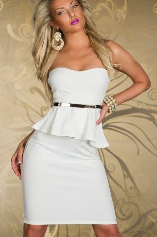 Witte peplum jurk met bijpassende riem