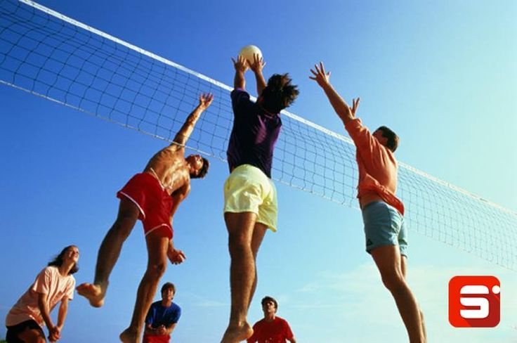 Do you know what Husband and Wife (Hubby Wife, in short) in Beach Volleyball is? In beach volleyball, when a serve drops between two players because the players don't decide in time who will pass it, it is called a Hubby Wife. Funny, right? #Sportido #beachvolleyball #hubbywife #sportinglingo #funny