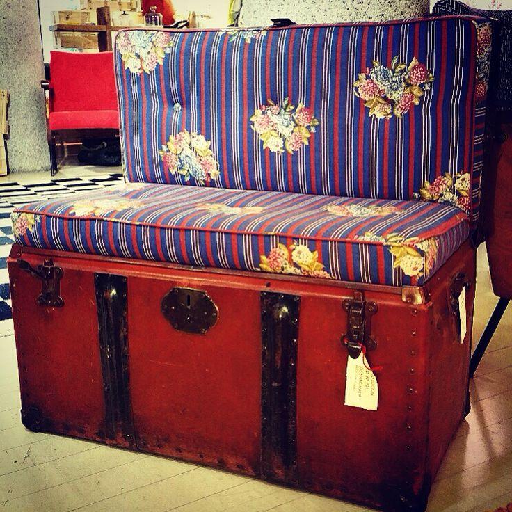 Vintage trunk converted into a sofa   #tappeticontemporanei #interiordesign #interiordesignideas #rugs #carpets #tappeti #homedecor #homewear #homestyle #homedesign #fornituredesign #interiorstyling #interiorlovers #interiorandhome #interiordetails #decor #designreuse #sustainabledesign #recycledforniture #ecofriendly #handicraft #handmade #italianhandmade #madeinitaly #arredo #artigianato #autoproduzione #brera #breradesigndistrict #milan