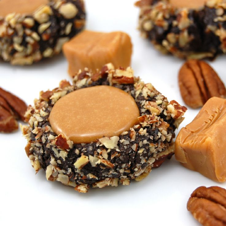 Chocolate Turtle Cookies Recipe ~ Rich, fudgy chocolate cookies are ...