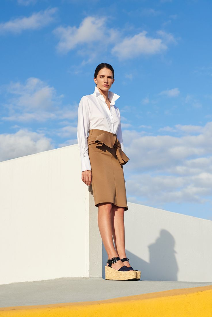 Silvia Tcherassi Resort 2017 white cotton shirt - knotted skirt - summer look