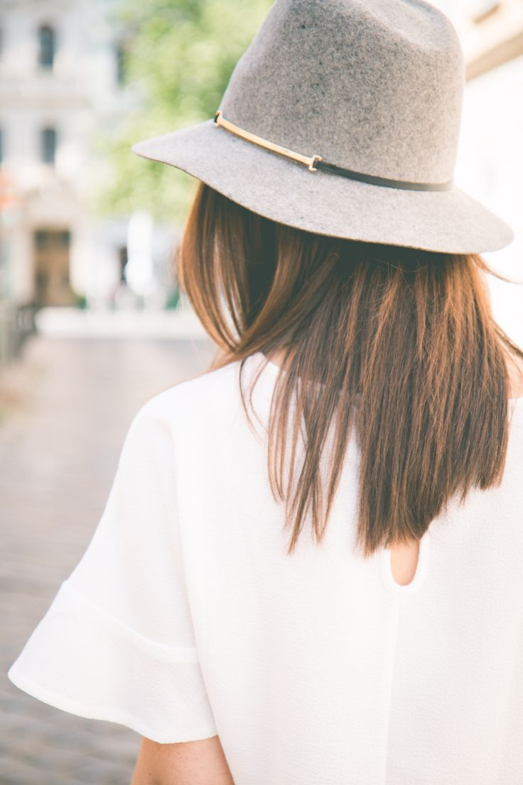 Dear SF Stylist, like this felt hat and how it has a more narrow brim than the really wide floppy hats.