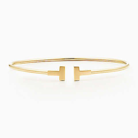 Pulsera Tiffany T Narrow Wire de oro de 18k, mediana.