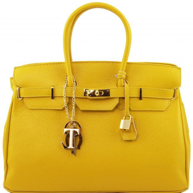 Gele Hermes Birkin Look-a-Like leren handtas.Elke handtas staat garant voor Italiaanse kwaliteit.  -