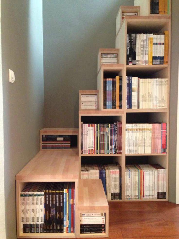 l'escalier bibliothèque chez mon amie Axelle , une superbe idée !!!