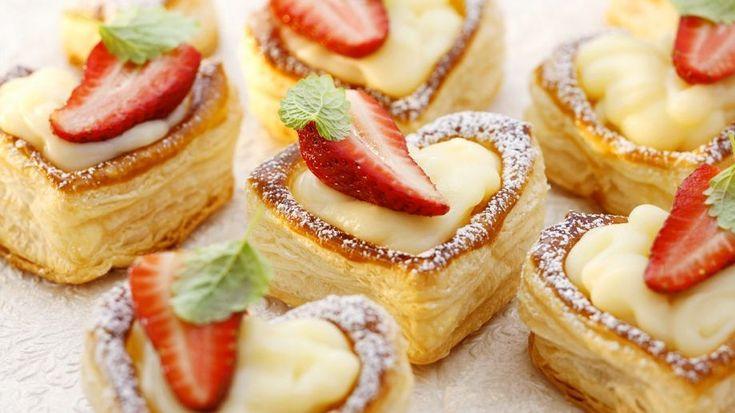 Blätterteigtörtchen mit Vanillecreme - smarter - Zeit: 45 Min. | eatsmarter.de