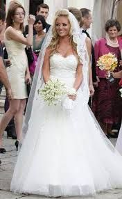 Imagini pentru rochie mireasa vedete