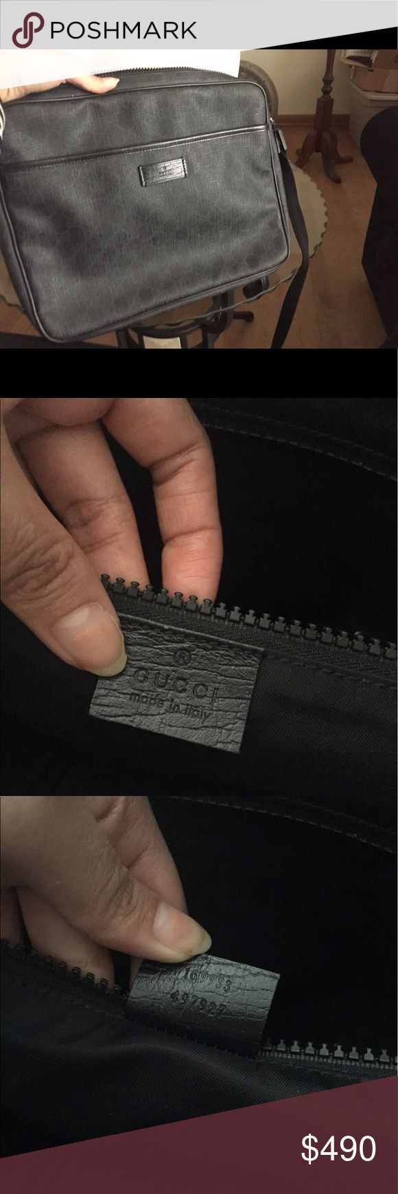 Gucci black messenger bag Authentic  % Gucci Authentic %  in good condition ~95% Gucci messenger bag! Come with care card only (no receipt). I barely use this bag. Very like new! Gucci Bags Crossbody Bags