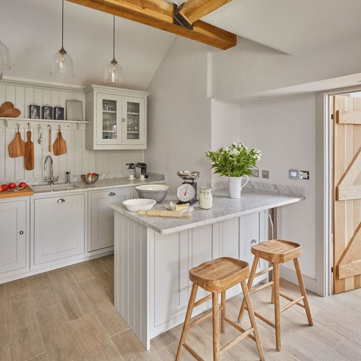 before and after reorganising the layout of this kitchen gained storage and space in 2020 on kitchen organization before and after id=72048