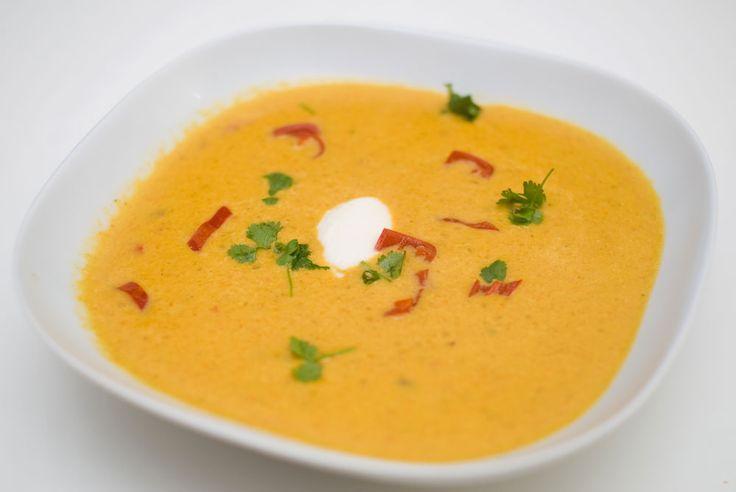 Denne må du bare prøve! Det er ingen overdrivelse å si at jeg elsker suppe med linser i! Spesielt de røde linsene, de er perfekte i suppeskålen. Gulrot er også en god ingrediens, smaken er mild, sø...