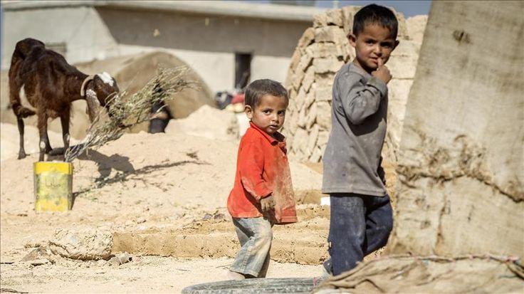 Warga Afrika Selatan galang dana untuk Suriah  JOHANNESBURG (Arrahmah.com) - Afrika Selatan telah menjanjikan lebih dari 13 juta rand (sekitar $ 928.000) untuk membantu upaya kemanusiaan di Suriah juru bicara sebuah LSM lokal OperationSA mengatakan kepada Anadolu Agency Sabtu (24/12/2016).  Yusuf Abramjee juru bicara LSM OperationSA mengatakan melalui sambung telepon bahwa penggalangan dana tersebut atas inisiatif beberapa orang Afrika Selatan selama program di stasiun televisi lokal ITV…