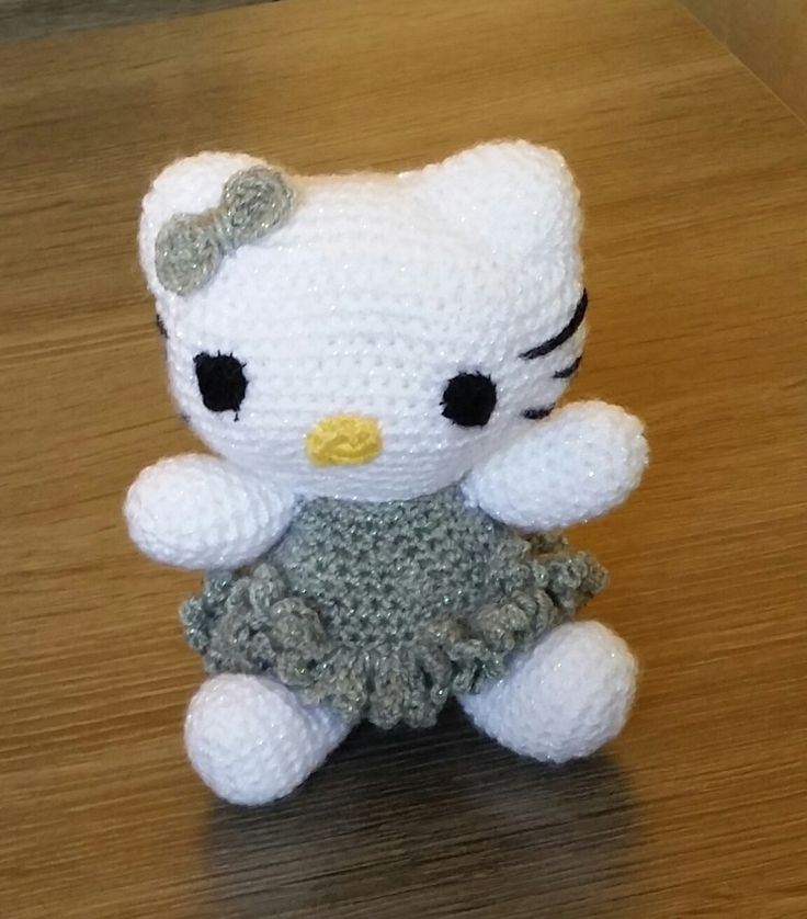 Hello kitty en crochet : Jeux, jouets par creations-de-sandra
