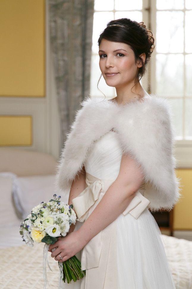Les 25 meilleures id es de la cat gorie manteau de mariage - Etole mariage hiver ...