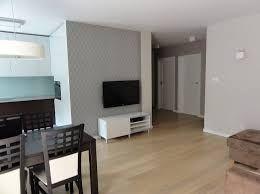 Znalezione obrazy dla zapytania białe drzwi, jaka podłoga