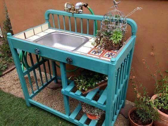 Great idea for re purpose a baby crib....love it