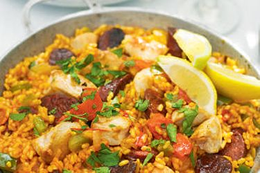 Spanish chicken and chorizo paella recipe, NZ Woman's Weekly – Bring the taste of Spain right into your kitchen with this delicious take on a traditional classic. – foodhub.co.nz