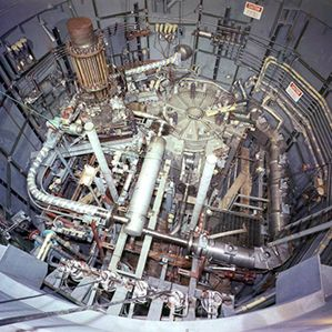 Bringing Molten Salt Nuclear Reactors to Reality | MIT Technology Review Meltdown-Proof Nuclear Reactors Get a Safety Check in Europe Researchers say they could build a prototype of a molten salt reactor, a safer, cleaner nuclear power option, in 10 years. WHY IT MATTERS  Nuclear power offers a zero-carbon energy resource to replace fossil fuels in the short term.