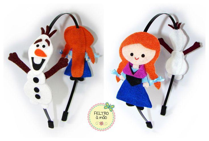 Arco de metal Frozen com Olaf e Anna de feltro.