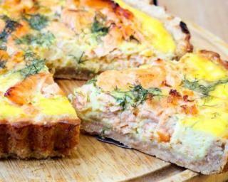 Recette de Quiche sans pâte au saumon, tarama et aneth