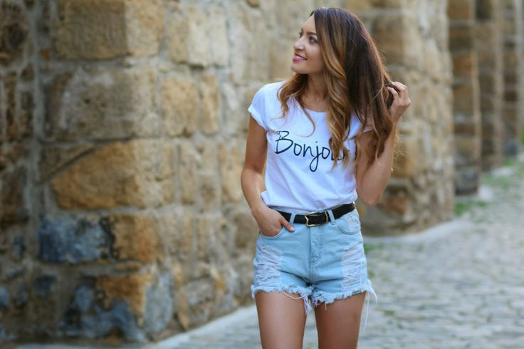 Sandra Bendre :basic tshirt with cool message