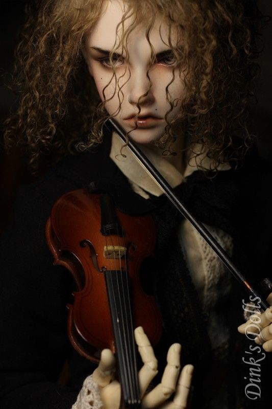 Violin doll by firetriniti