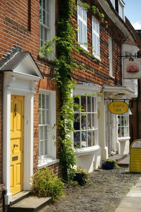 Farnham: The Surrey market town that's drawing Londoners south