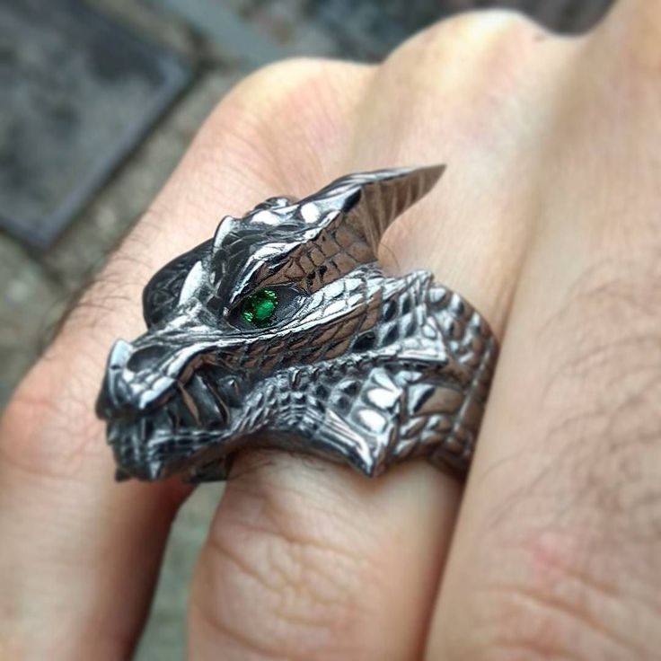 #wintercame and #christmas days are coming Did you chose #gifts for your #friends or yourself?  Look at my #dragon #ring inspired by #gameofthrones #tv  #show #hbo #merrychristmas and #happynewyear #2018
