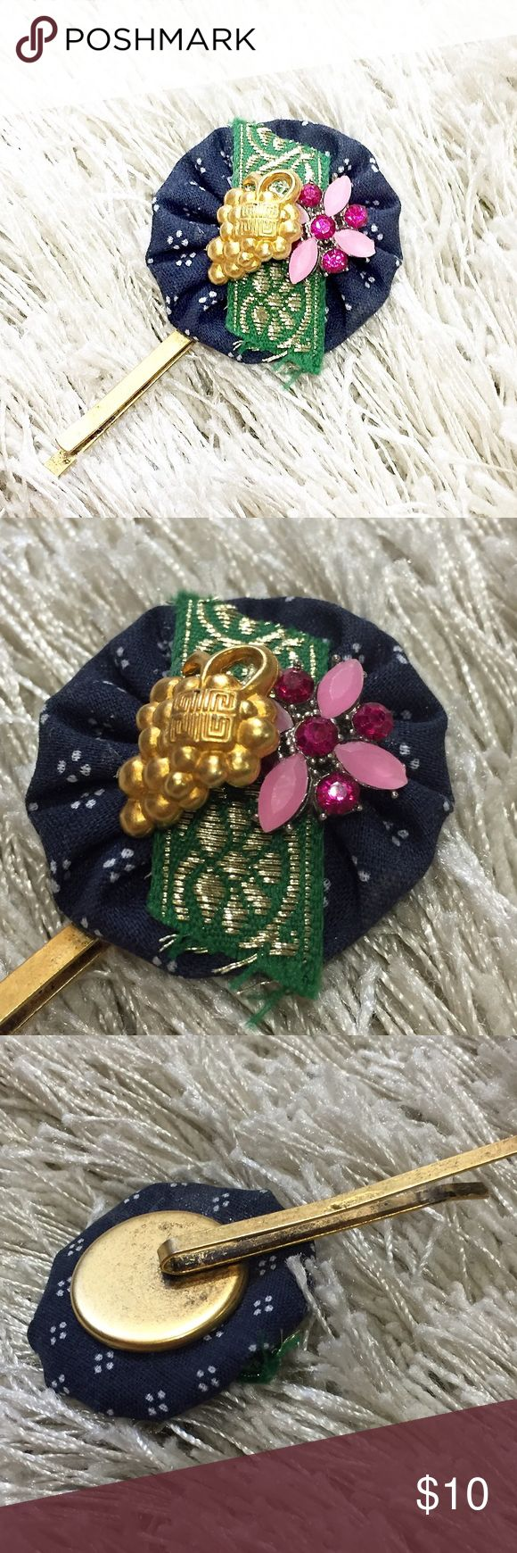 Decorative Hair Pin • Anthropologie Decorative hair pin from Anthropologie. Beautiful statement piece. Feel free to ask questions! 💖 Anthropologie Accessories Hair Accessories