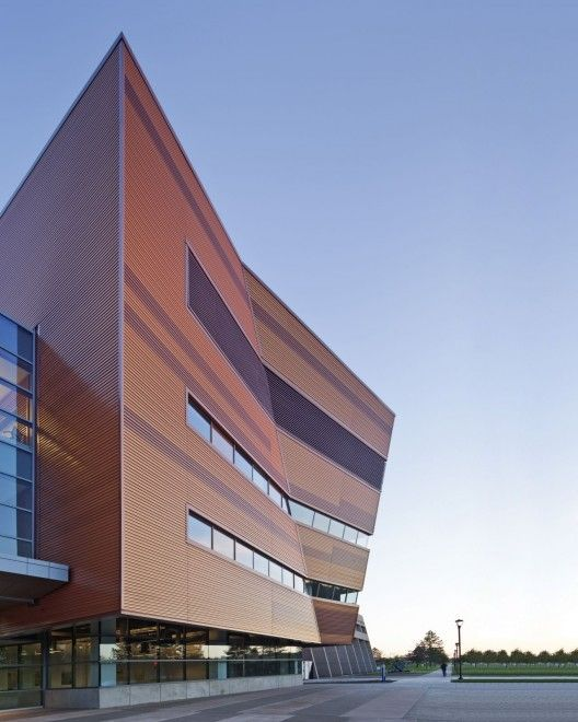 University at Buffalo School of Engineering and Applied Sciences / Perkins+Will #architecture #buildings #city