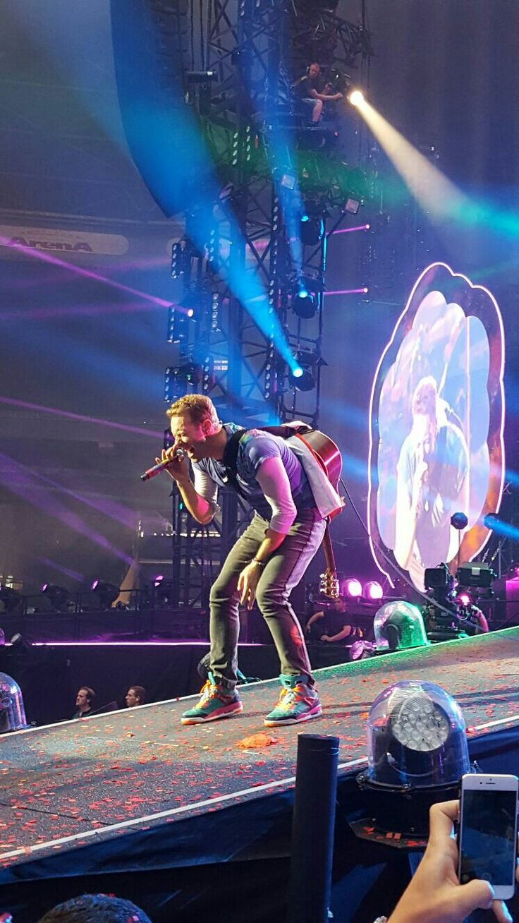 Coldplay in amsterdam arena 2016 chris martincoldplayamsterdam