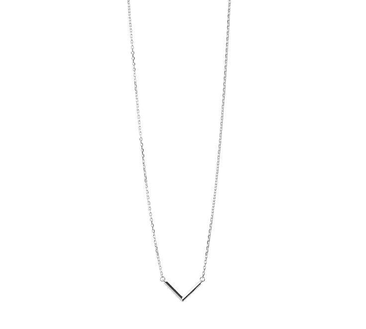 """Maria Black """"Check"""" halskæde <3 En smuk skinnende sølv halskæde i ægte sterling sølv. Det smukke """"Check"""" vedhæng med den blanke overfalde glimter i lyset og vil med garanti få opmærksomhed! Se flere Maria Black smykker her: http://www.oersnes.dk/produkter/39-maria-black-smykker/ - og forkæl dig selv, eller én du holder af <3 #smykker #mariablack"""