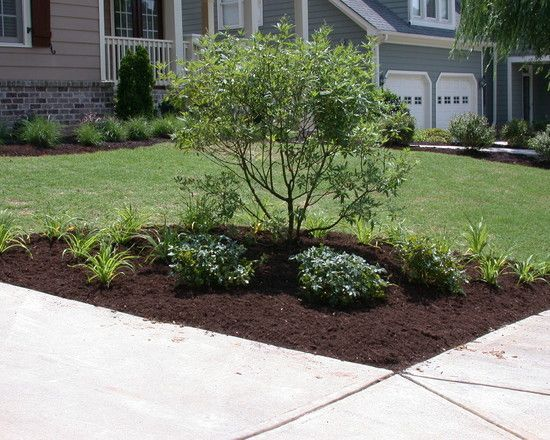 Traditional Landscaping Front Yard, Landscaping Ideal, Landscaping Trees, Traditional Landscape, Driveway Corner Landscaping, Corner Lot Landscaping Ideas, ...