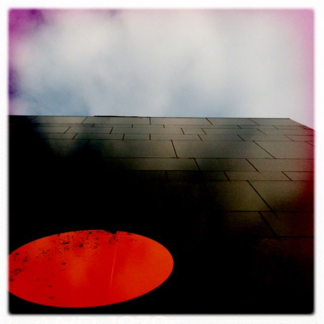 red dot: Photo