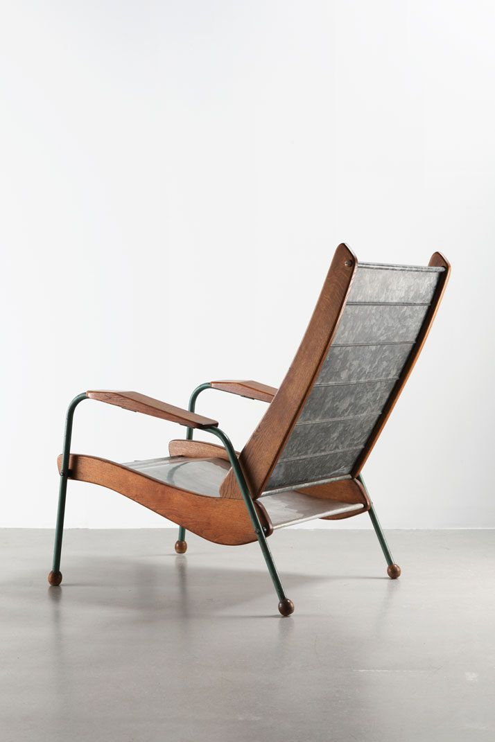 Colonial-type Armchair N° 352, variation, ca.1952 | Steel tube, aluminum sheet, galvanized steel sheet and wood | Jean Prouvé